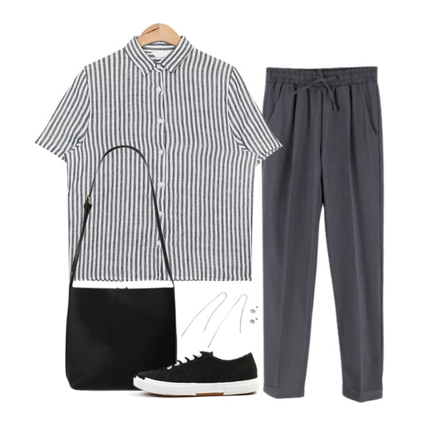 BANHALA 에어컨 슬랙스,AIN candy stripe linen shirts (3 colors),From Beginning Hidden buckle bag_K (size : one)등을 매치한 코디