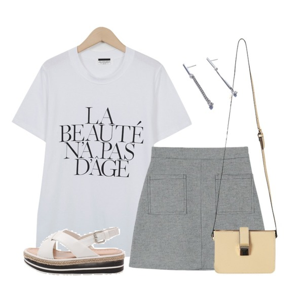 From Beginning Color lettering T_H (size : free),LOVELY SHOES 폭티아 통굽 샌들 (5cm),daily monday Check pocket mini skirt등을 매치한 코디