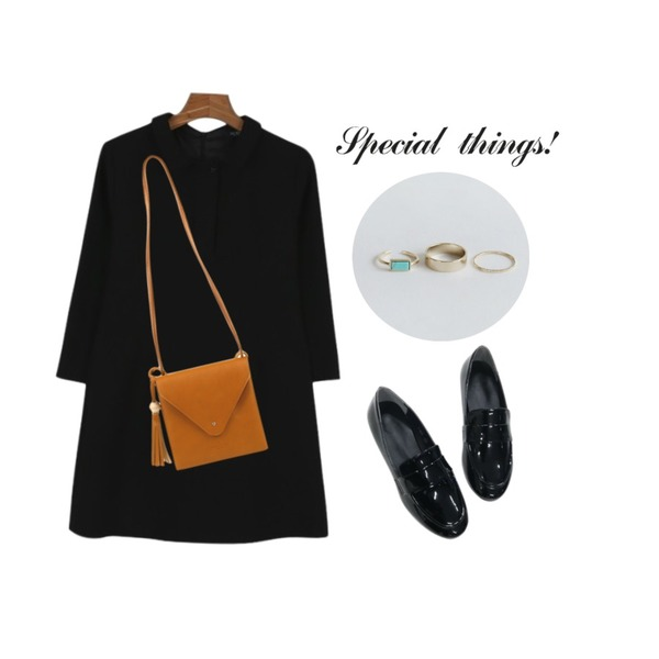 biznshoe Wood tassel cross bag (5color),NEW NEED NOW 테일러 애나멜 로퍼(2color),daily monday Daily mini shirts one piece등을 매치한 코디