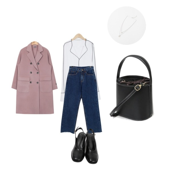 From Beginning Hope straight cutting jean_H (size : S,M,L),From Beginning Square slingback midi heel_Y (size : 225,230,235,240,245,250),From Beginning Piping open cuffs blouse_Y (size : free)등을 매치한 코디