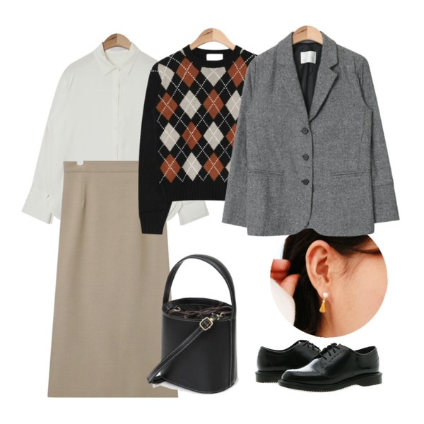 daily monday Silver pearl tassel earring(silver 925),AIN back point simple long skirt (2 colors),AIN soft double button cuffs blouse (3 colors)등을 매치한 코디