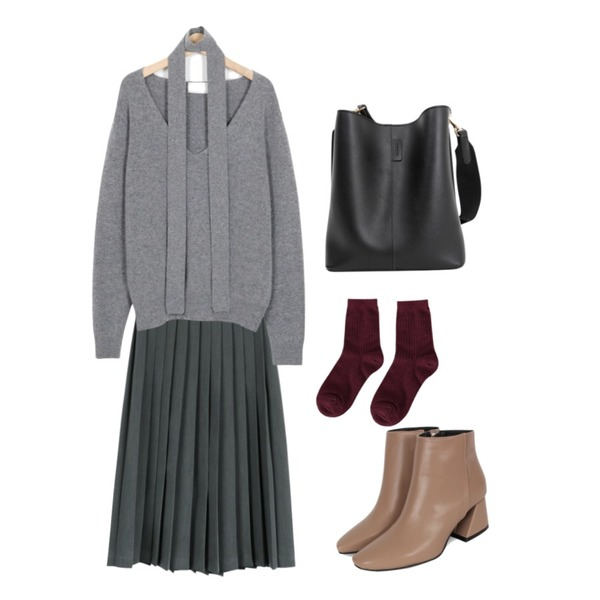 biznshoe Sharp toe ankle boots (3color),daily monday Autumn pleat skirt10/10 입고예정,From Beginning Tie V-neck cashmere knit_H (size : free)등을 매치한 코디