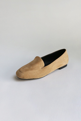 Plain flat shoes