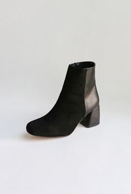 Simple combi ankle boots