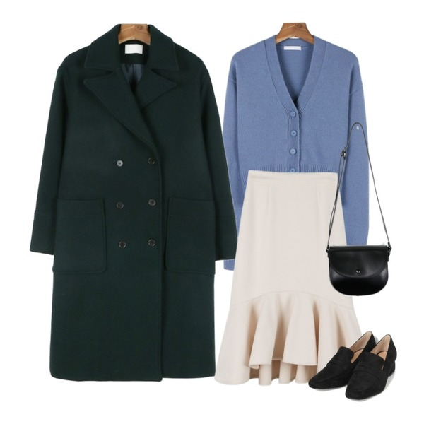 daily monday Wool v-neck color cardigan,daily monday Warm mermaid skirt11/17 입고예정,daily monday Color double wool coat등을 매치한 코디