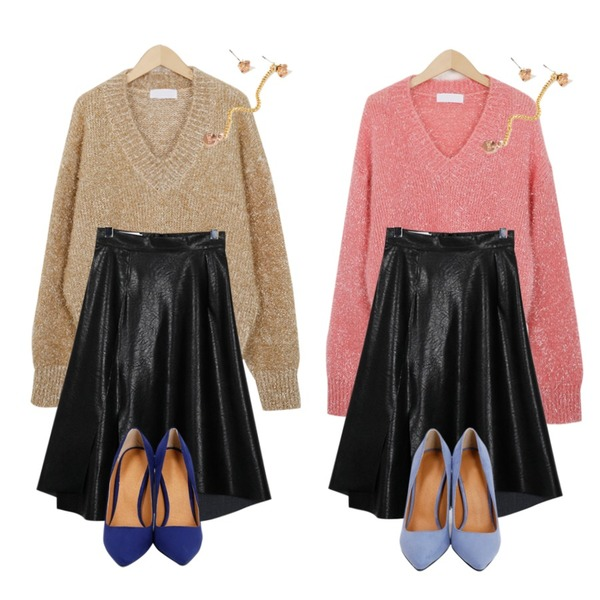 From Beginning For holiday twinkle knit_Y (size : free),From Beginning For holiday twinkle knit_Y (size : free),From Beginning Number leather hul skirt_Y (size : S,M)등을 매치한 코디