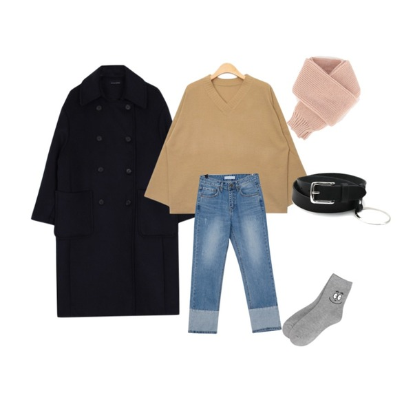 biznshoe Wool boxy long coat (2color),From Beginning Temperature roll-up denim_B (size : S,M,L),AIN slim wide sleeve V-neck knit (4 colors)등을 매치한 코디