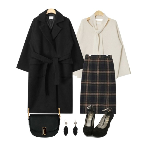 AIN thick various mood check skirt (2 colors),AIN lovely angora V-neck knit (4 colors),AIN out pocket strap double coat (3 colors)등을 매치한 코디