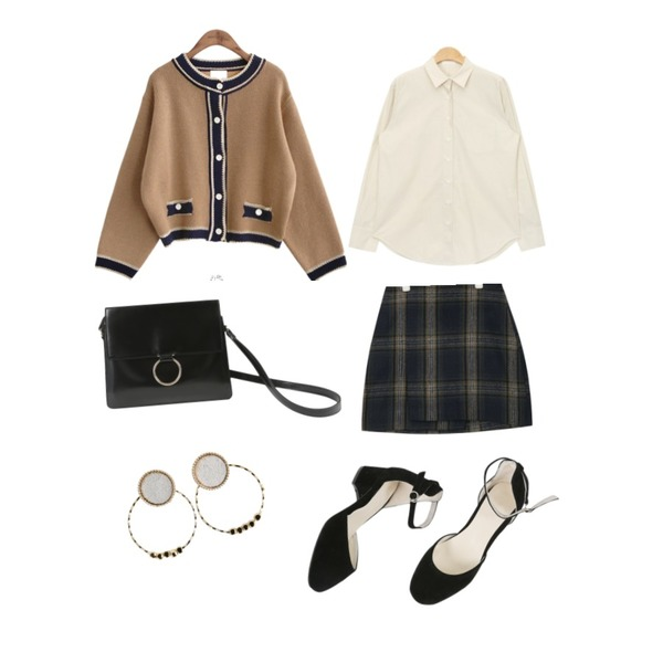 common unique [OUTER] RETRO SHORT CARDIGAN,AIN casual check unbalance mini skirt (2 colors),AIN soft color basic shirts (3 colors)등을 매치한 코디