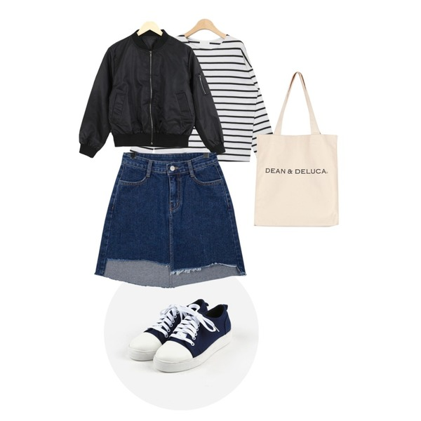 daily monday Round cozy sneakers,LOOK CHIC mini short blouson (3 color),AIN coco stripe round T (4 colors)등을 매치한 코디