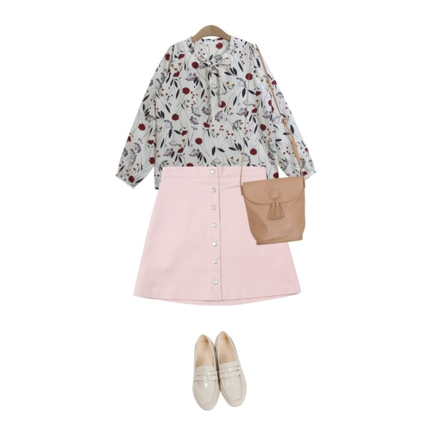TWEE simple botton skirt,From Beginning Vintage enamel midi loafer_K(size : 225,230,235,240,245,250),TODAY ME 마릴 플라워 블라우스등을 매치한 코디