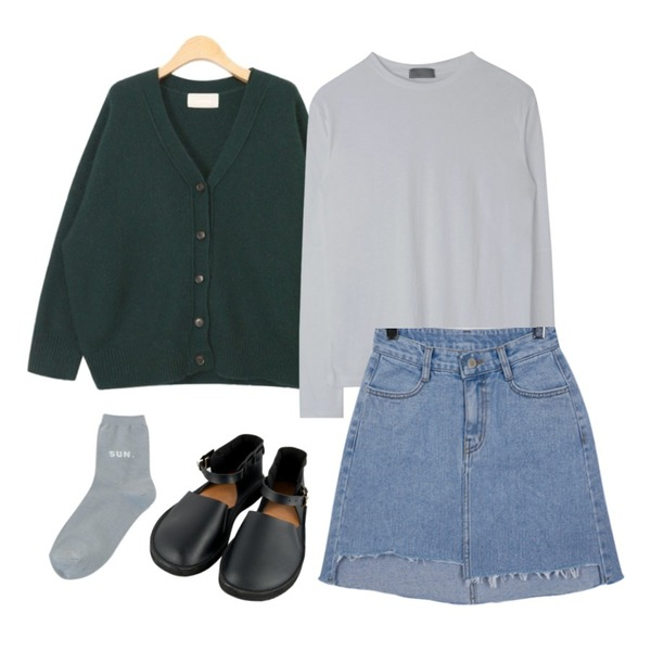 AIN lovely angora boxy cardigan (4 colors),From Beginning Adorable unbal denim skirt_H (size : S,M,L),MIXXMIX 베이직 절개 티셔츠등을 매치한 코디