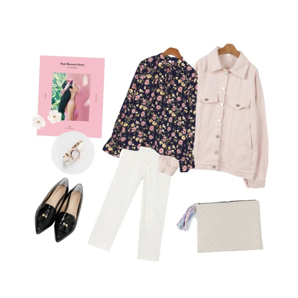AIN Pink Blossom Island+The way to the North,MINIBBONG 힙스터 면자켓,AIN spring white denim pants등을 매치한 코디
