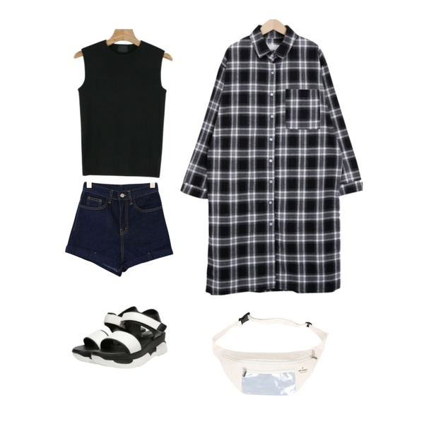 daily monday Simple slim sleeveless,From Beginning Have check long shirts_H (size : free),GIRLS RULE 오버 데님 숏츠 (pt692)등을 매치한 코디