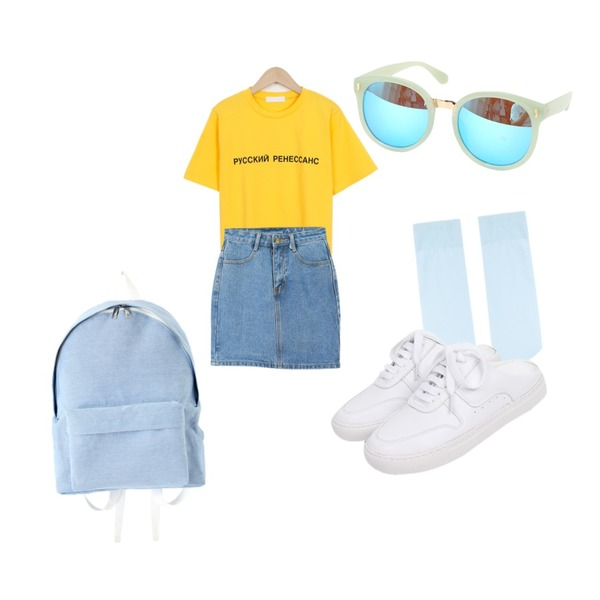 BULLANG GIRL 젠틀 선글라스,From Beginning Urban lettering T_Y (size : free),LOOK CHIC daily denim skirts (2 color)등을 매치한 코디