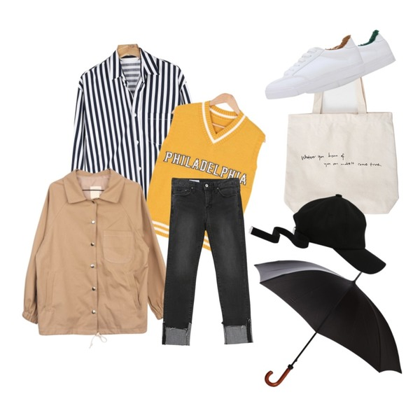 Black Umbrella,From Beginning Letter simple cotton bag_S (size : one),daily monday Wide stripe boxy shirt등을 매치한 코디