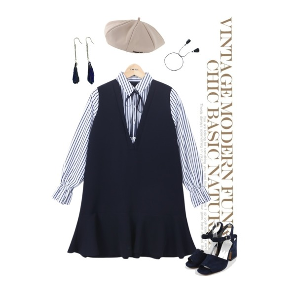 Untitled,daily monday Color sandal heel,TWEE layered flare shirts onepiece등을 매치한 코디