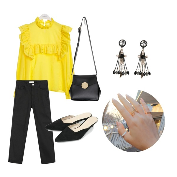 daily monday Basic cotton cutting pants,AIN feminine stiletto suede mule (3 colors),TWEE Yellow frill blouse등을 매치한 코디