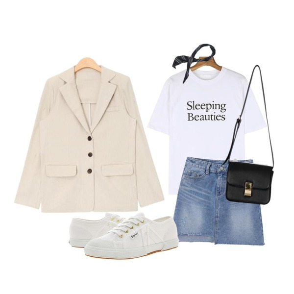 daily monday Beauty point tee,MINIBBONG 쉼표 스트라이프 스카프,AIN basic fit 3-button cotton jacket (3 colors)등을 매치한 코디