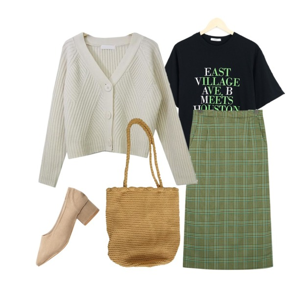 LOOK CHIC east tee (3 color),From Beginning Campus check slit skirt_H (size : S,M),SOMEDAYS 슈가 크롭 가디건(3color)등을 매치한 코디