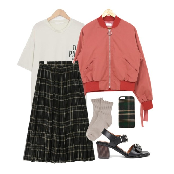 AIN check pleats banding long skirt (2 colors),PSYCHOSHOP 리본 포인트 블루종 (2color),From Beginning Park boxy round T_H (size : free)등을 매치한 코디