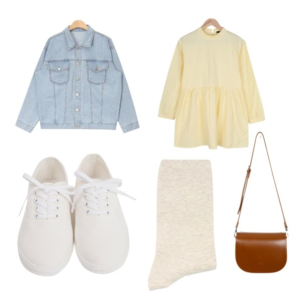 From Beginning Stitch cotton sneakers_H (size : 230,235,240,245,250),BULLANG GIRL 케미프릴원피스,From Beginning Choice half-moon bag_M (size : one)등을 매치한 코디