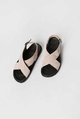 Cross detail simpale sandals