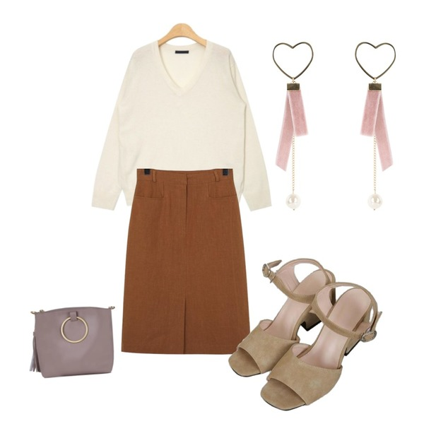 AIN lambswool V-neck knit (5 colors),From Beginning Present linen skirt_S (size : S,M),HATISS CONEY BEIGE CROSS BAG등을 매치한 코디