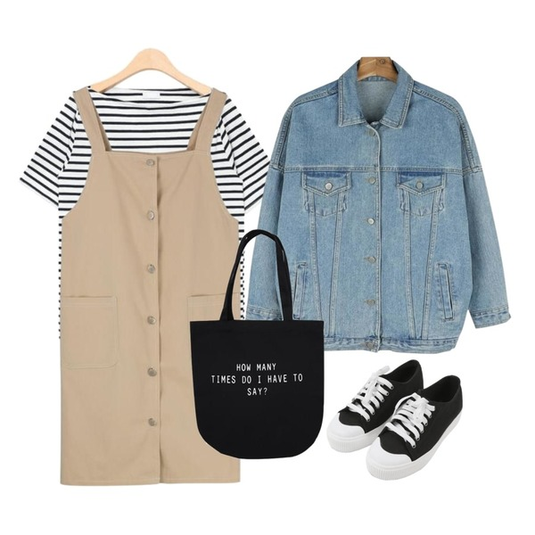 MINIBBONG 윌슨 운동화,MIXXMIX 버튼업 오버롤 원피스,AIN french stripe off shoulder T (2 colors)등을 매치한 코디