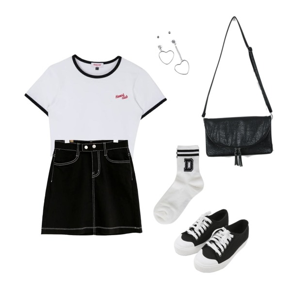 MINIBBONG 윌슨 운동화,common unique [SKIRT] TWO BUTTON STICH MINI SKIRT - 2 TYPE,MIXXMIX Heart Ringer Crop Top등을 매치한 코디