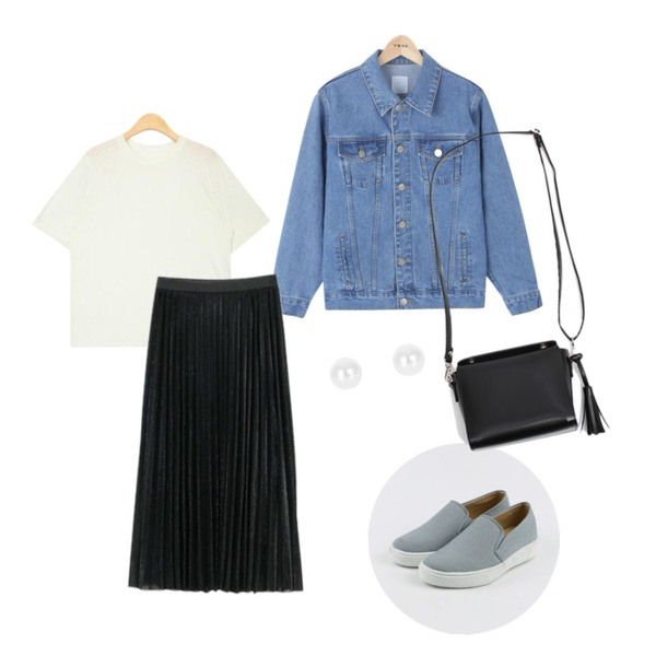 NEW NEED NOW 샤이닝 주름 롱스커트(2color),TWEE Boy fit denim jacket,AIN summer wearable casual T (5 colors)등을 매치한 코디