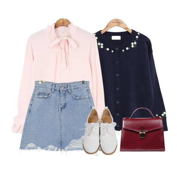 common unique [OUTER] FLOWER ROUND KNIT CARDIGAN,MESMIN 리본 프릴 bl (3 colors),UPTOWN HOLIC 블루마리 sk등을 매치한 코디