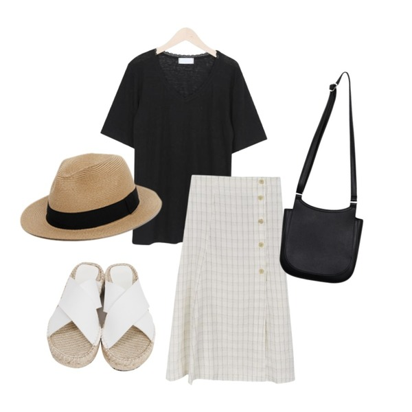 From Beginning X-cover espadrille slipper_B (size : 225,230,235,240,245,250),From Beginning Holly basic panama hat_B (size : one),myblin V 레이스 슬럽 반팔 티 (4color)등을 매치한 코디