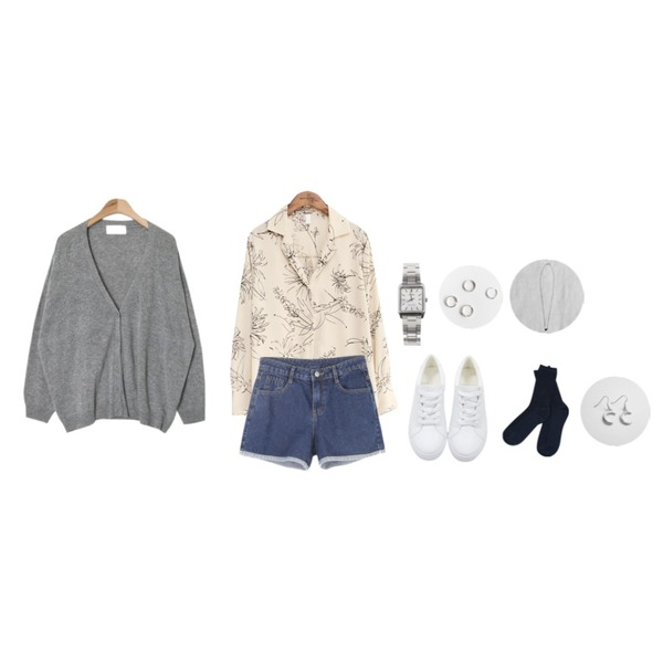 BANHALA 써니 팬츠,AIN cozy daily boxy fit cardigan (5 colors),common unique [TOP] DRAWING FLOWER SILK BLOUSE등을 매치한 코디