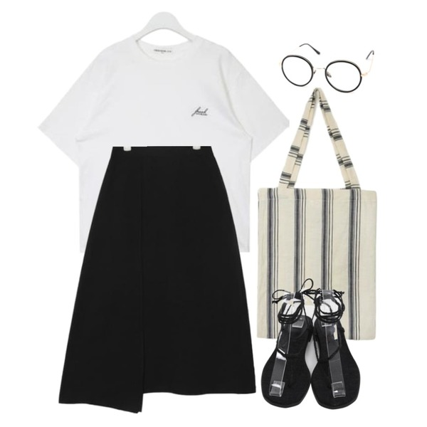 CHLO.D.MANON 셀럽 glasses,AIN FRESH A stitch point T (2 colors),AIN unblance slit detail skirt (2 colors)등을 매치한 코디