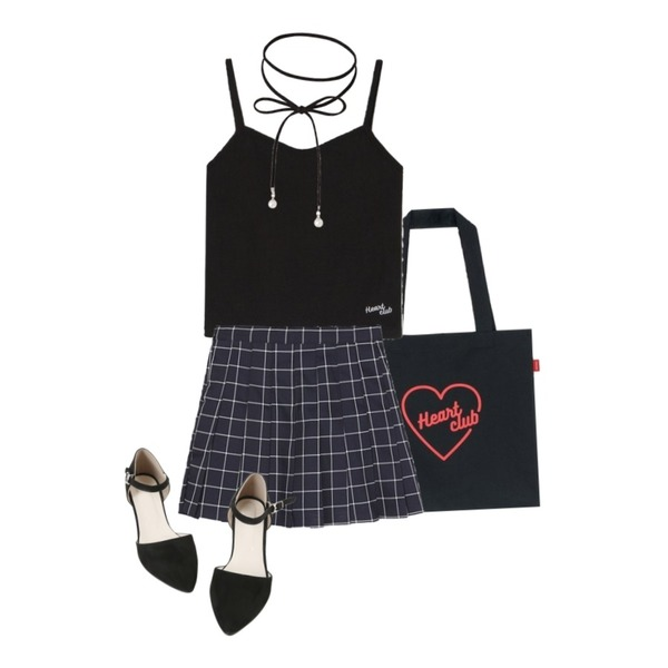 BANHALA (EXID)하니 착용_스퀘어테니스 스커트,MIXXMIX Heart club 16SSHeart Mini Top(Black),MIXXMIX Heart club 16SC Heart eco bag(Black)등을 매치한 코디