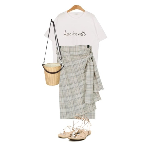 From Beginning Cereal check ribbon skirt_M (size : free),MESMIN 루케 레터링 t (5color),AIN cycle basket two-way bag등을 매치한 코디