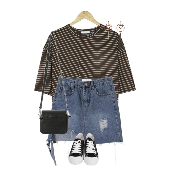 MINIBBONG 디젤 데미지 청스커트,From Beginning Purcell cotton sneakers_M (size : 230,235,240,245,250),BANHARU mono loose fit stripe등을 매치한 코디