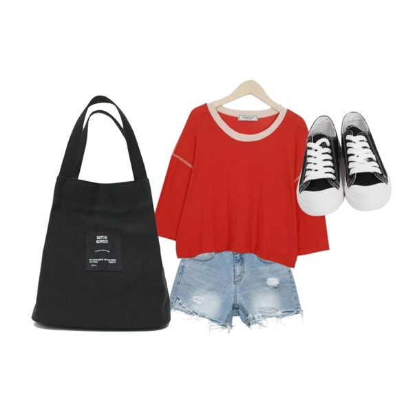 From Beginning Made_top-176_stitch crop T (size : free),From Beginning Purcell cotton sneakers_M (size : 230,235,240,245,250),BBORAM 스크래치 숏 pt등을 매치한 코디