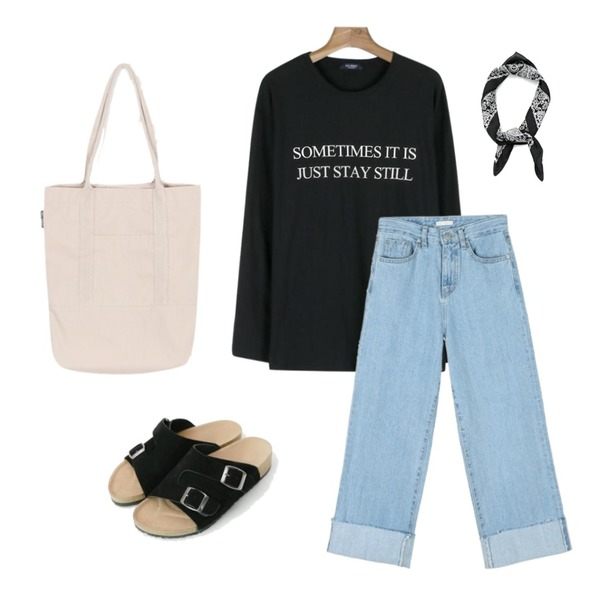 daily monday Wide light blue denim,daily monday Daily long sleeve typo tee,daily monday Casual buckle slippers등을 매치한 코디