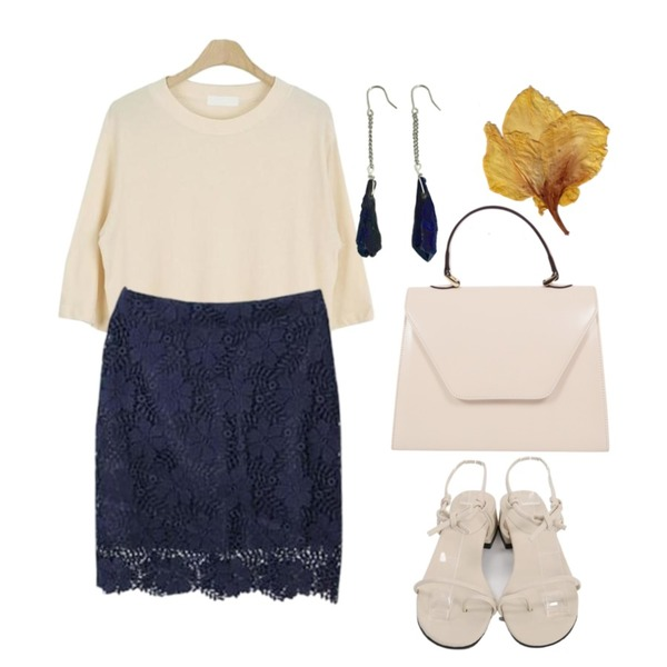 GARCONNE 청순가련 레이스스커트,LOOK CHIC sweet loose tee (3 color),From Beginning Hitch rope sandal_H (size : 225,230,235,240,245)등을 매치한 코디