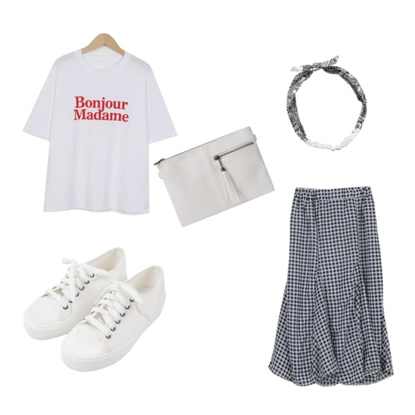 BULLANG GIRL 하프지퍼클러치(스트랩끈,크로스끈포함),LOOK CHIC summer check two piece (2 color),From Beginning Bonjour lettering T_H (size : free)등을 매치한 코디