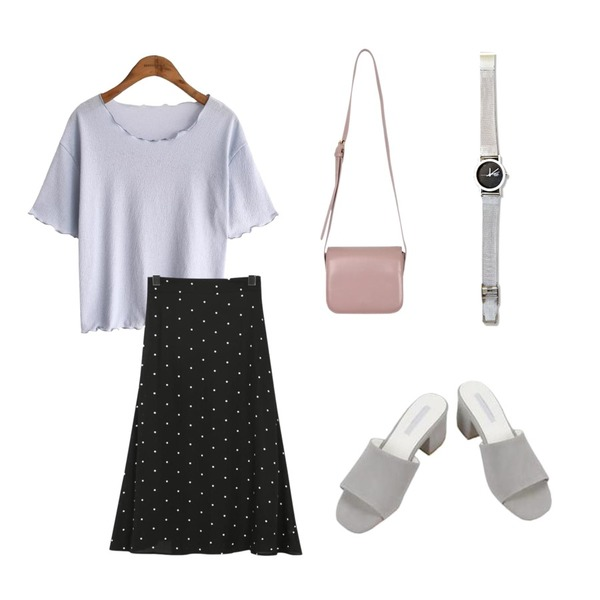 From Beginning Out dot flare skirt_M (size : free),common unique [TOP] WRINKLE WAVE SPAN 1/2 T,MINIBBONG 모던 뮬 샌들힐등을 매치한 코디