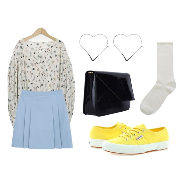 TWEE Color roll socks,From Beginning Dahlia button blouse_S (size : free),myblin A라인 플리츠 스커트 (4color)(S)등을 매치한 코디