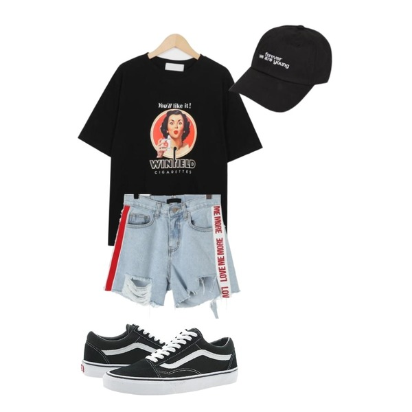 ROCOSIX lovemore letterig short pants,From Beginning Like it cotton T_M (size : free),Player 반스 올드스쿨 검흰 (VANS OLD SKOOL BLACK)등을 매치한 코디