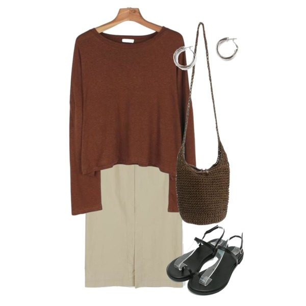 daily monday Slim h-line long skirt,daily monday Linen crop tee,daily monday Toe strap summer sandals등을 매치한 코디