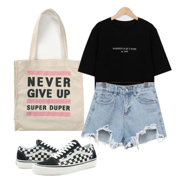 common unique [BOTTOM] MAVEL DAMAGE DENIM SHORTS,From Beginning Never printing canvas bag_S (size : one),From Beginning Marseille wash cotton T_K (size : free)등을 매치한 코디