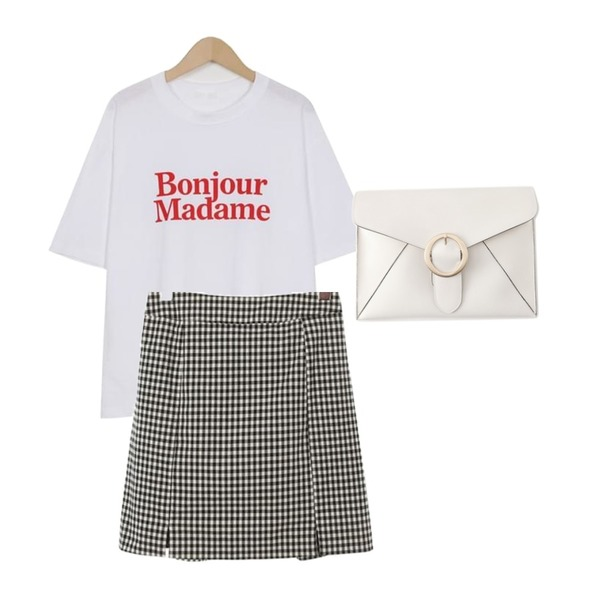 Reine 알렉사 클래식 클러치 백,ROCOSIX gingham check mini skirt,From Beginning Bonjour lettering T_H (size : free)등을 매치한 코디