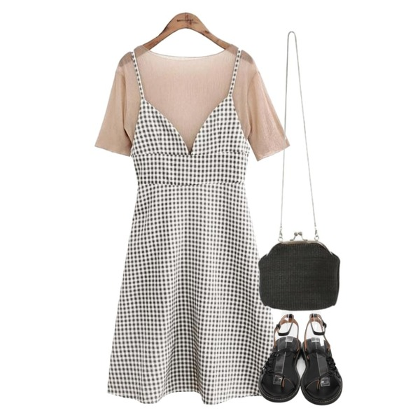 From Beginning Plus strap mannish sandal_M (size : 230,235,240,245,250),ROCOSIX straw mini clutch bag,common unique [OPS] WRINKLE BLOUSE BUSTIER OPS등을 매치한 코디