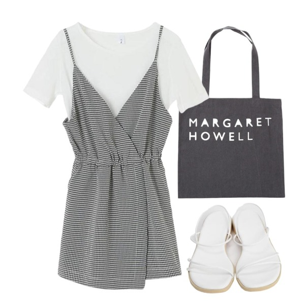 From Beginning Howell lettering eco bag_Y (size : one),From Beginning Light string sandal_H (size : 225,230,235,240,245,250),TWEE Check jumpsuit set등을 매치한 코디